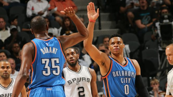 42816-Oklahoma-City-Thunder-Kevin-Durant-Russell-Westbrook.vadapt.664.high.53